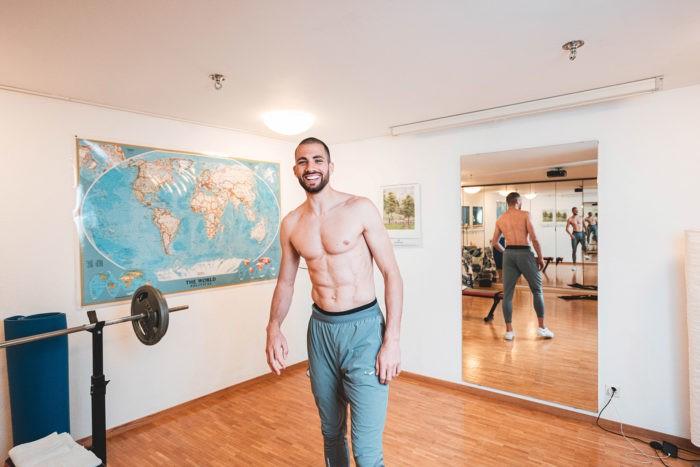 Kariem Hussein beim Fitness auf MyHomeWorkout